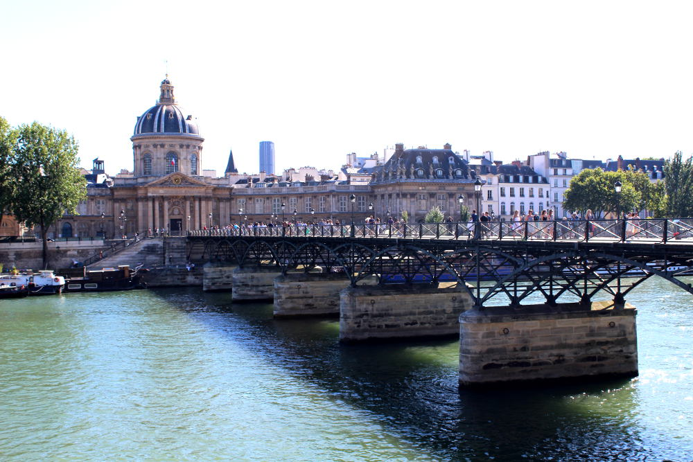 le pont des arts histoires de paris. Black Bedroom Furniture Sets. Home Design Ideas