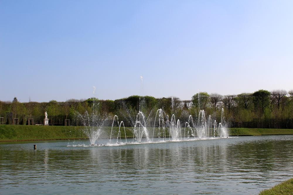 Le bassin du miroir de versailles histoires de paris for Le miroir de l eau