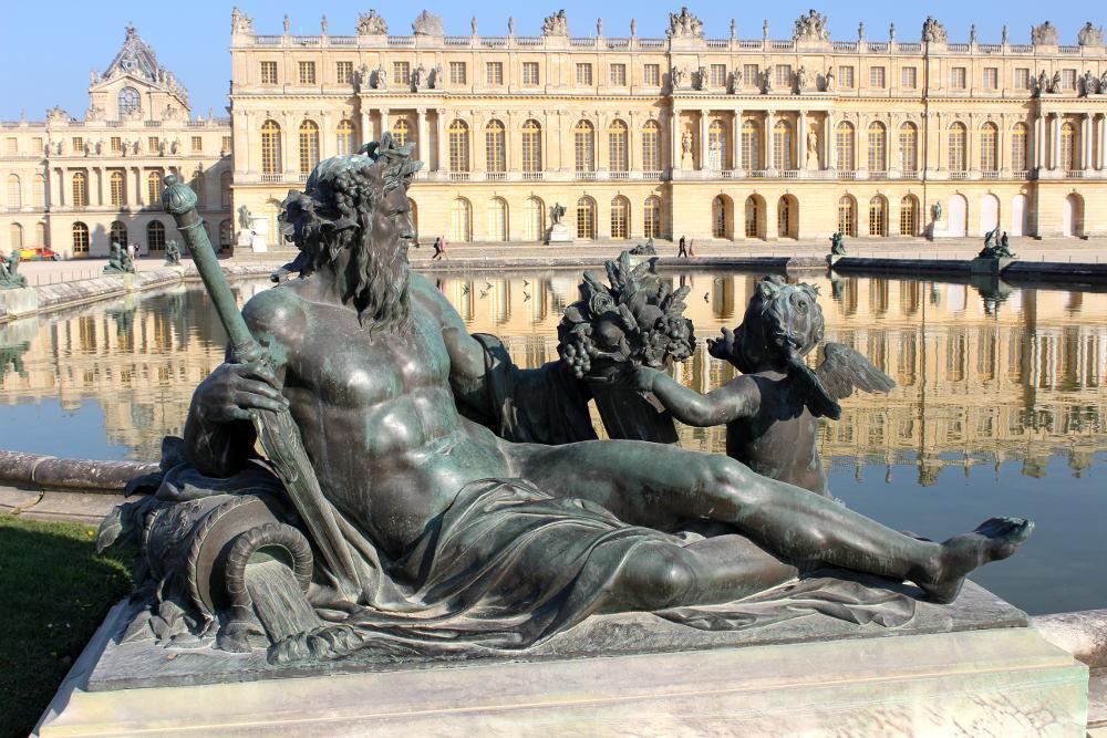 Les statues des fleuves de versailles histoires de paris for Autour de versailles