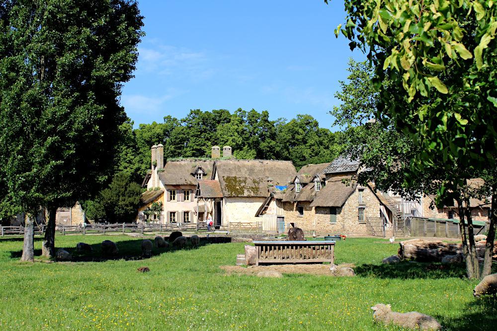 La ferme du hameau de la reine - Histoires de Paris